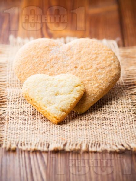 Лесни маслени сладки за Свети Валентин - снимка на рецептата